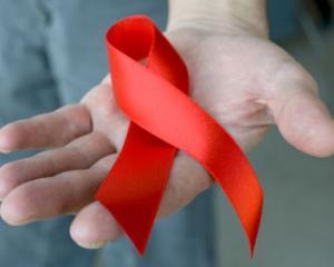 Consecintele crizei economice: Nu mai sunt bani pentru combaterea SIDA
