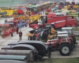 2.500 de fermieri au fost prezenti la Targul de masini agricole organizat de BISO Schrattenecker