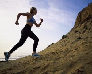 ANALIZA: Joggingul, solutia de criza a celor care vor sa se mentina in forma