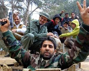 LIBIA: Rebelii incearca regruparea