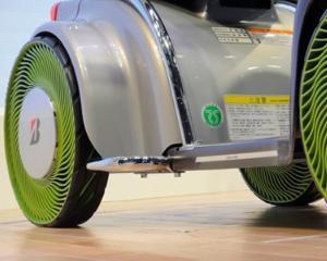 Culmea industriei auto: anvelopa fara aer