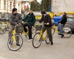 Bicicletele galbene ale Raiffeisen sunt disponbile din nou