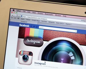 Fondatorul Twitter si-a abandonat contul de Instagram dupa ce firma a fost cumparata de Facebook