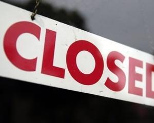 Comisia Europeana ar putea cere inchiderea de banci din Grecia, Spania si Portugalia