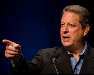Al Gore a cumparat actiuni Apple la pret redus