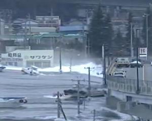 UPDATE JAPONIA: Nordul tarii a fost lovit de un tsunami de 10 metri inaltime