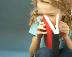 Culmea rusinii: Sa fii prins citind o carte
