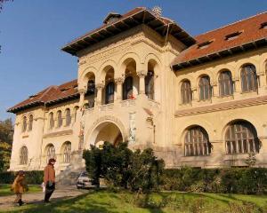 Cadou de 8 martie pentru femei: intrare libera la muzee