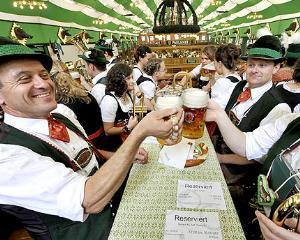 Germania da lectii de austeritate, dar este corigenta la aceasta materie
