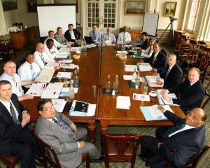Firmele de stat au in medie zece membri in consiliul de administratie. Cele private au doar cate cinci membri