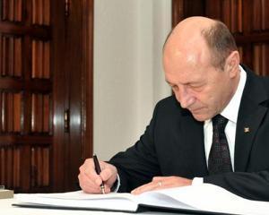 Traian Basescu a promulgat Legea privind masurile financiar-bugetare aplicabile pana in 2014