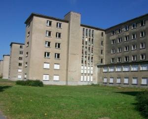 Prora, complexul turistic destinat soldatilor nazisti, va deveni hotel de lux