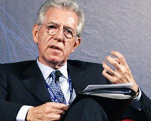 Criticile reformelor lui Monti taie din stralucirea premierului Italiei