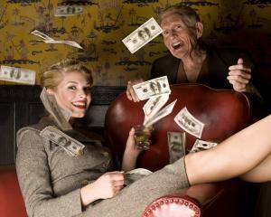 ANALIZA: De ce traiesc oamenii bogati mai mult