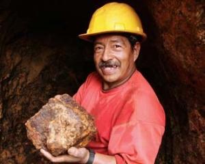 Locuitorii a cinci sate elvetiene se opun exploatarii unui zacamant aurifer de 1,2 miliarde dolari