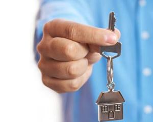 Tendinta scaderii preturilor proprietatilor rezidentiale continua:  4,3%, in 2011