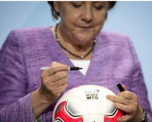Fotbalistii, incurajati sa-si recunoasca homosexualitatea