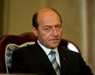 Razbunarea militarilor: mailuri jignitoare la adresa lui Basescu