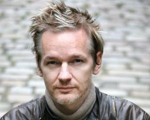 Viata UNDERGROUND a fondatorului WikiLeaks