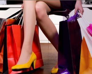 Exista si romani fericiti... fara shopping