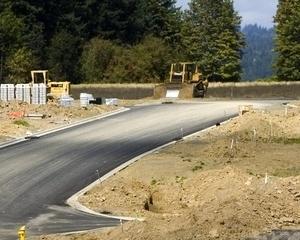 Unde sapa constructorul autostrazii locul, sare din pamant norocul