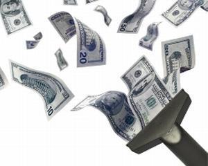 In 2011 trebuie pompati 13,9 miliarde lei in schema Ponzi