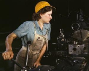 Sunt sanse mai mari ca o femeie sa considere ca jobul sau face lumea un loc mai bun