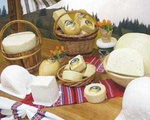 Romanii consuma mai putine produse lactate