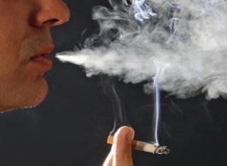 Cand detinutii fumeaza, statul plateste