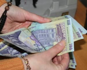 Salariul mediu a crescut cu 4 lei in iulie