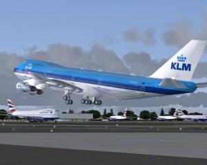 Avioanele KLM de pe ruta Amsterdam - Paris vor fi alimentate cu combustibil obtinut din ulei alimentar folosit