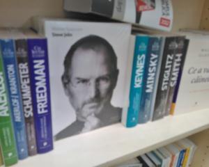 Biografia lui Steve Jobs, una dintre cartile de afaceri din finala premiilor Financial Times