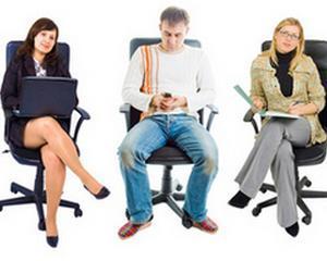 Stai prea mult timp pe scaun? Risti sa te imbolnavesti de tromboza