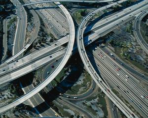 Boagiu spune ca in 2013 Romania va intra in lumea civilizata, cu 463 noi km de autostrada