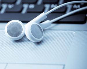 STUDIU: Cei care descarca ilegal muzica de pe internet sunt si cei care cumpara cea mai multa muzica