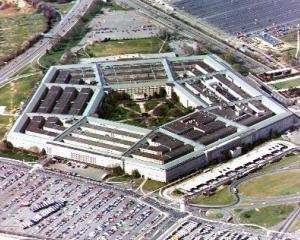 Boeing vrea 380 milioane de dolari de la Pentagon. De ce?