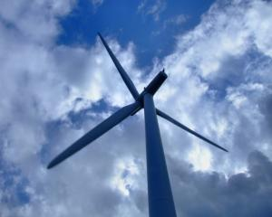 AREE: Factura la energie se va majora in 2012 cu 4,7%, pe fondul sustinerii energiilor regenerabile