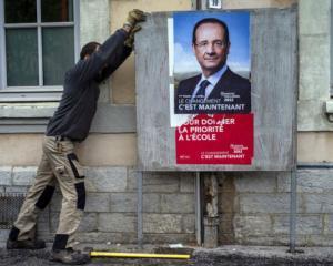 Presedintele Eurogroup vrea sa-l convinga pe Hollande sa nu ceara renegocierea pactului fiscal