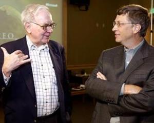Warren Buffett doneaza actiuni fundatiei lui Bill Gates