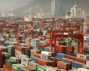 Exporturile au scazut cu 6%, iar importurile cu 6,2% la valori exprimate in lei, in luna iunie