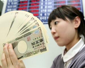 Economia Japoniei, revizuita in scadere in T2