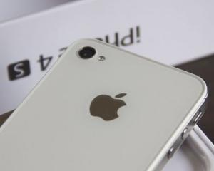 UPDATE: Vodafone si Cosmote primesc precomenzi pentru iPhone 4S