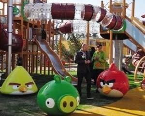 Jocul Angry Birds transpus in lumea reala