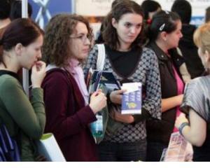 Peste 700 de absolventi de liceu inregistrati ca someri doar in Suceava