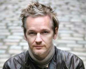Un pranz cu Julian Assange costa cel putin 1.000 de dolari