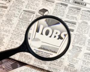 Studiu: Doar 7% dintre angajatori ii prefera pe absolventii care nu au lucrat in timpul facultatii