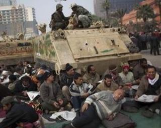 EGIPT: Guvernul promite o crestere de 15% pentru angajatii de la stat
