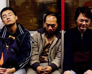 Oamenii somnorosi aleg mancaruri nesanatoase