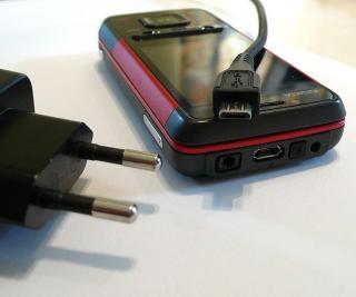 Incarcatoarele universale pentru telefoanele mobile, pe punctul de a fi lansate