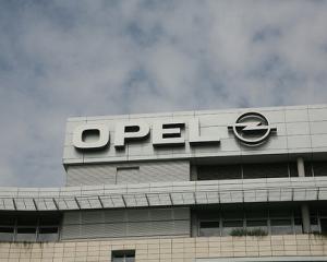 Opel reduce programul de lucru la doua uzine din Germania